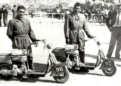 1948_First Lambretta race Milano-Sanremo Rizzi on the left Cassola on the right