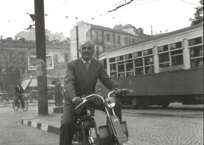 1949 Gigi Villoresi with a 125B in Milan