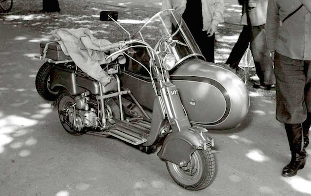 1949 Lambretta 125B with sidecar copia