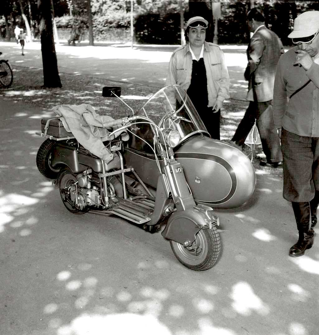 1949 Lambretta 125B with sidecar
