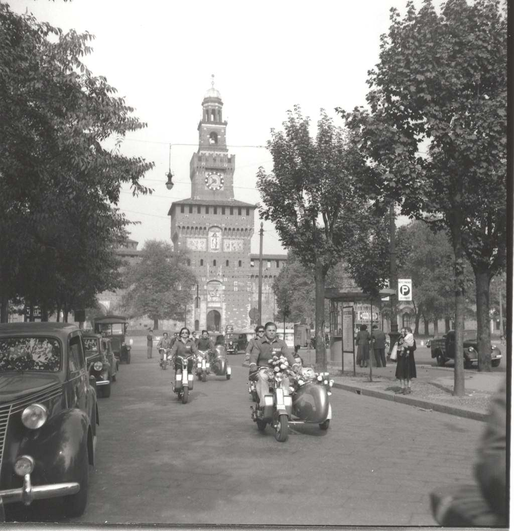 1949 Wedding ride in Lambretta in Milano03