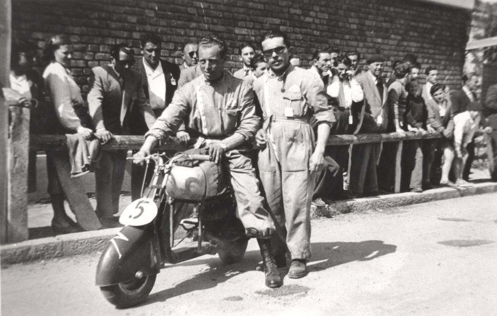 1949_Circuit during the fair of Milan-0000