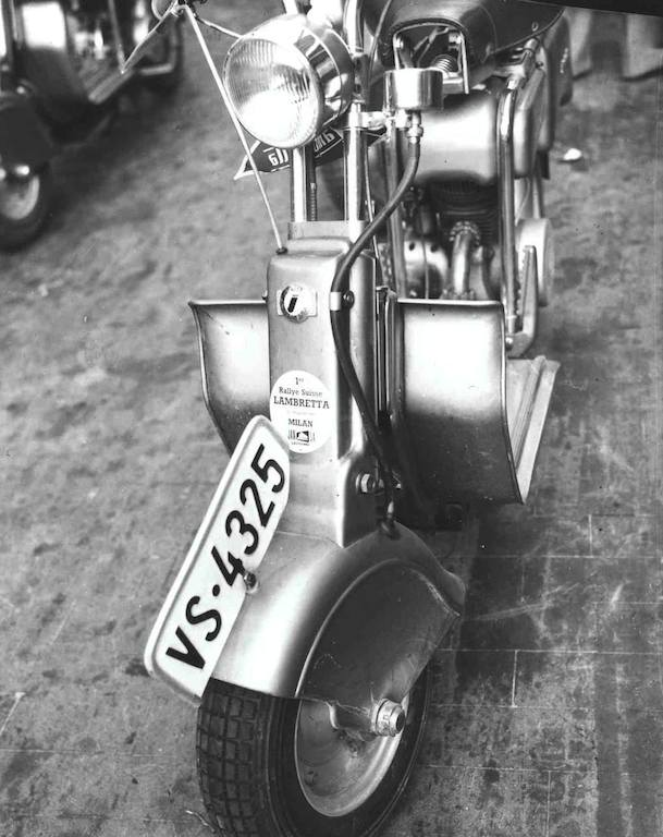 1949_First Swiss Lambretta rally in Milano_5