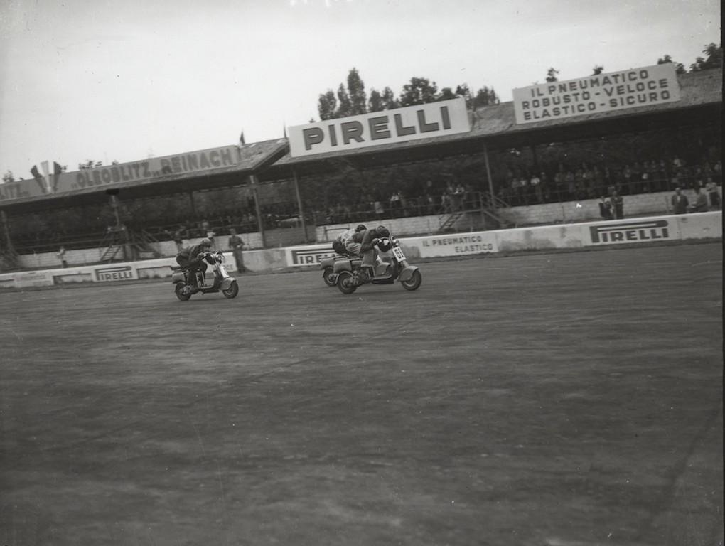 1949_I Lambretta d'oro race_2
