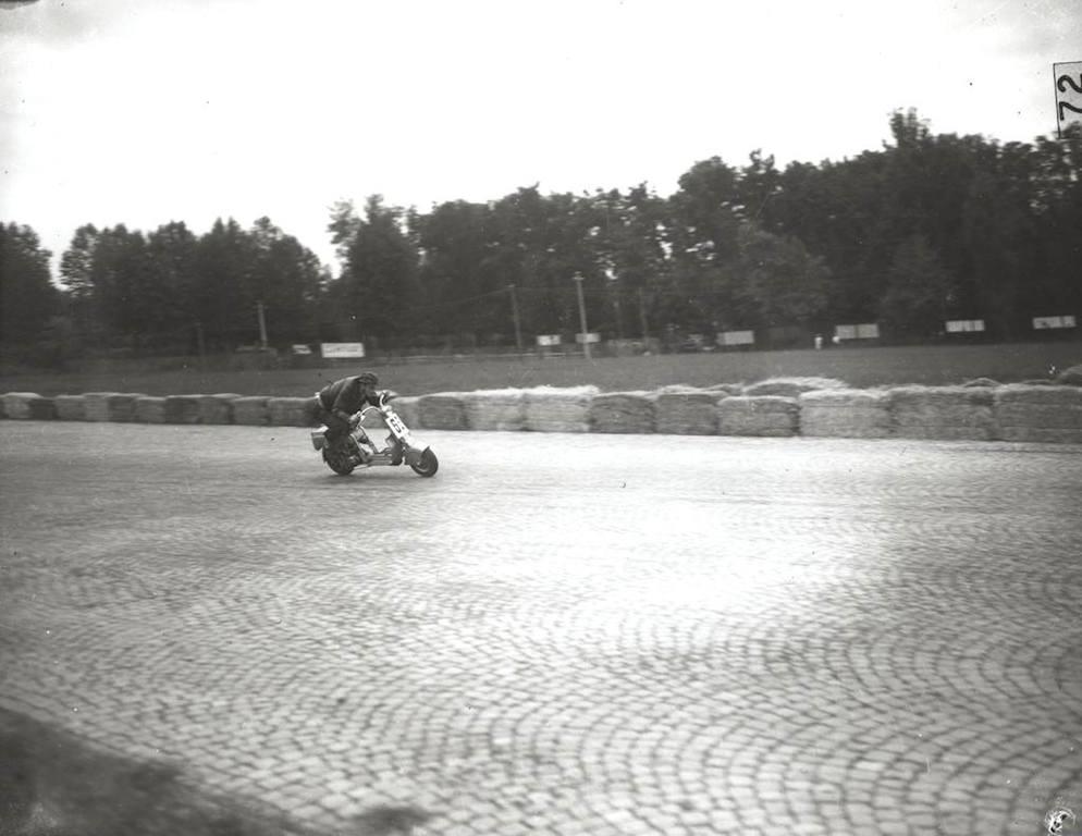 1949_I Lambretta d'oro race_2_winner Franco Massironi