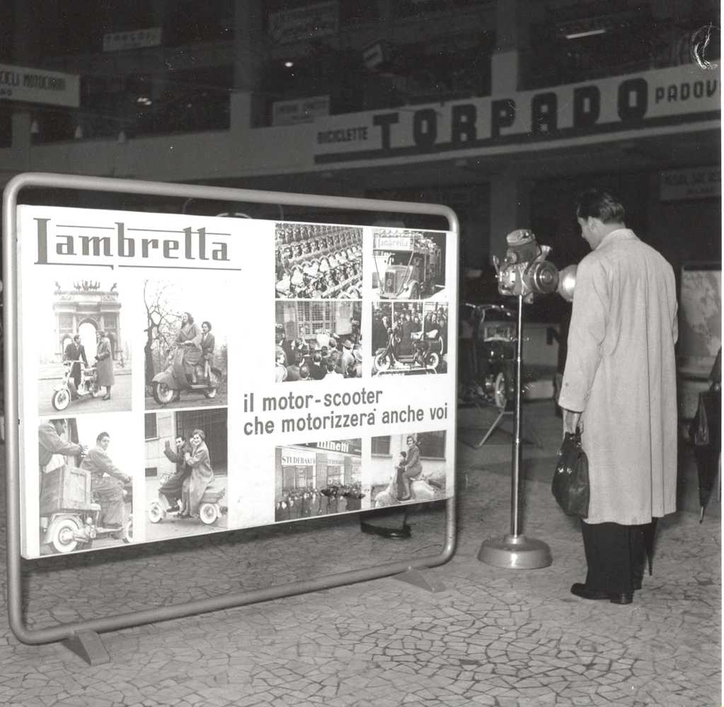 1951_Lambretta in the Milan exhibition 02