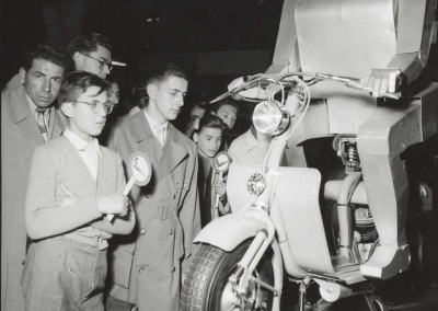1951_Lambretta in the Milan exhibition 03