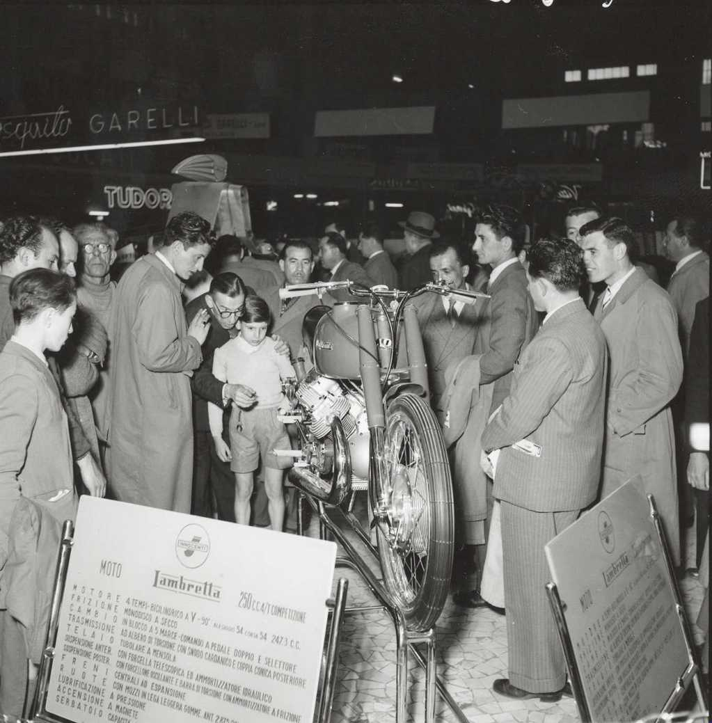 1951_Lambretta in the Milan exhibition 06