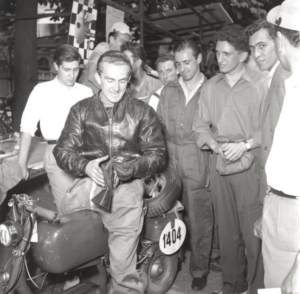 1951_Presentation of the Lambretta 125C-0002