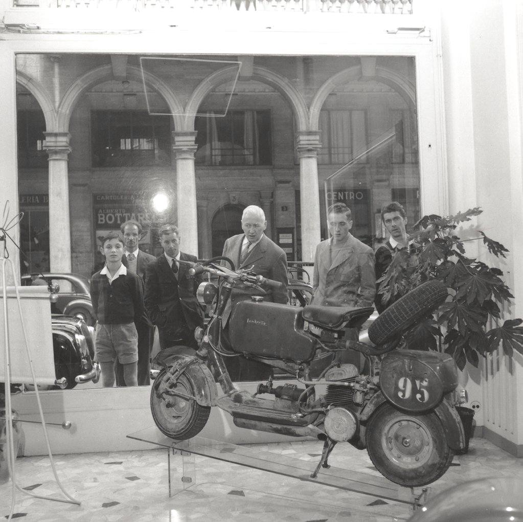 1951_Presentation of the Lambretta 125C-0004