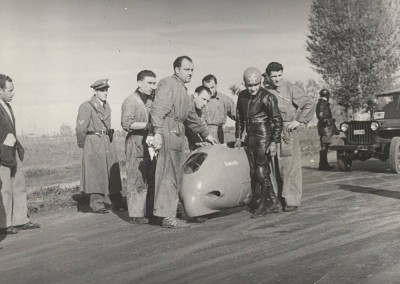 1951_Romolo Ferri record test at Appia Nuova in Rome in the Sirulo 0001