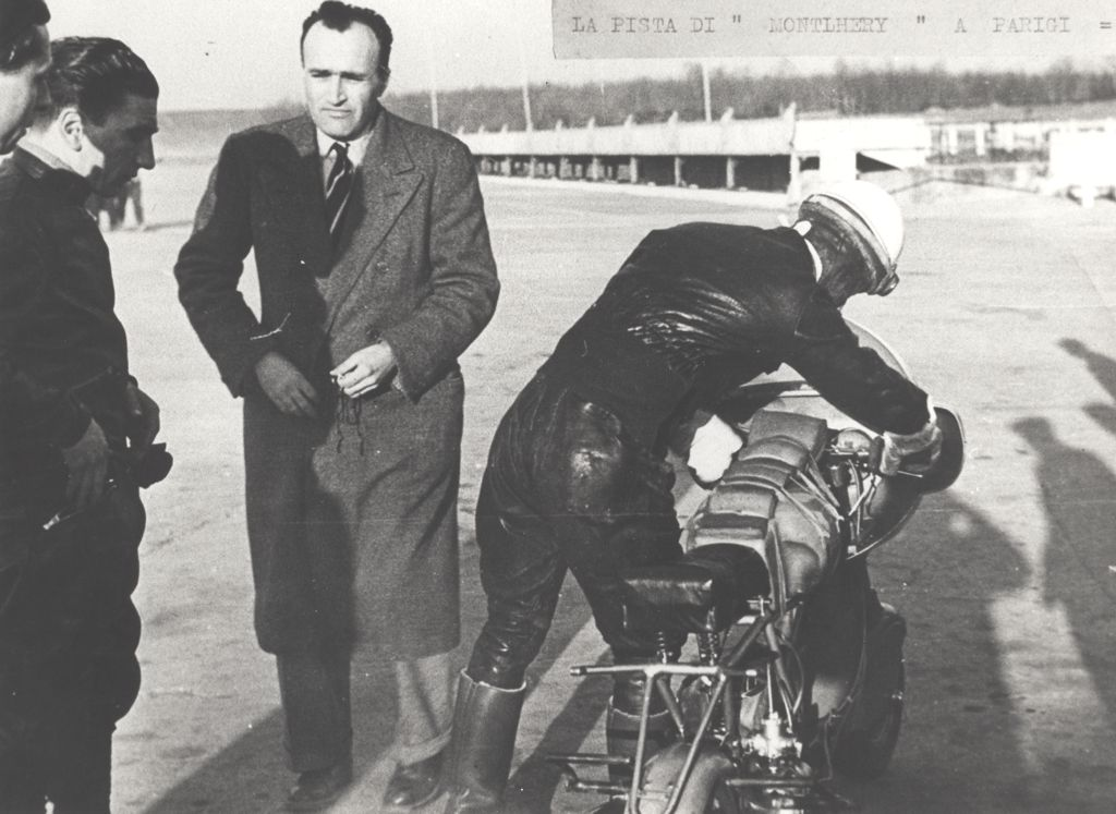 1951_Romolo Ferri sets a world speed record with the Lambretta 125CC class_5