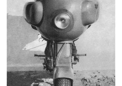1951_Romolo Ferri sets a world speed record with the Lambretta 125CC_ class