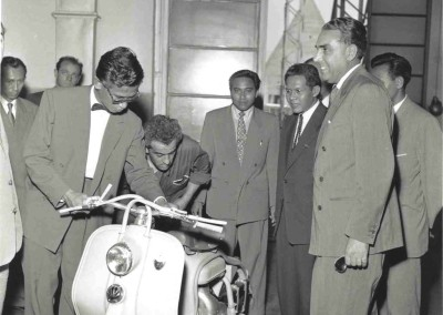 1954_Visit of the Indonesian delegation_Lambretta 125 LD_1