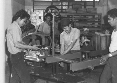 1955_Assembly line for the Trilambretta Indonesia_1