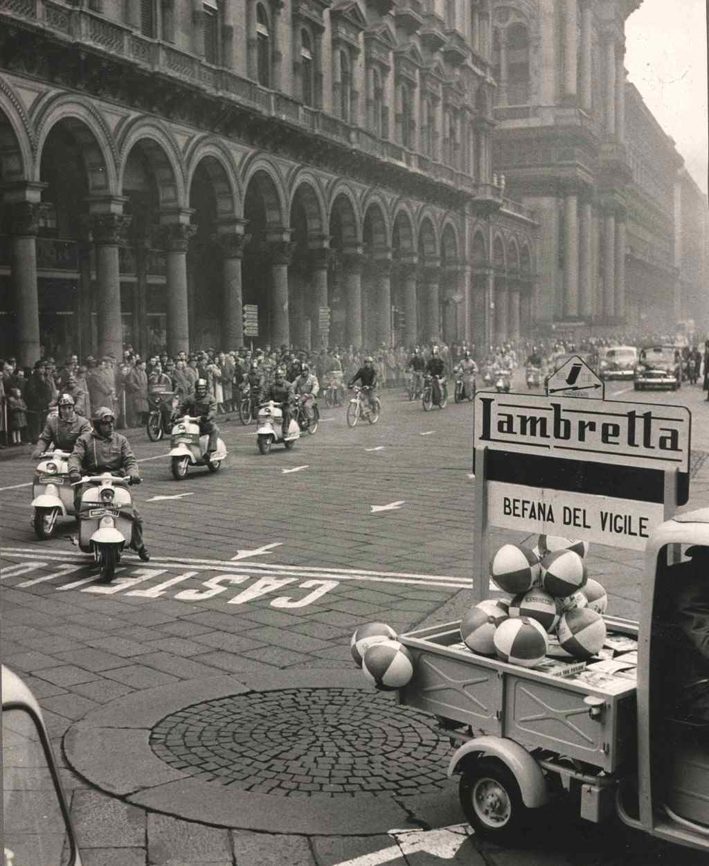 1958_ Epiphany day (the three kings) in Milan_2