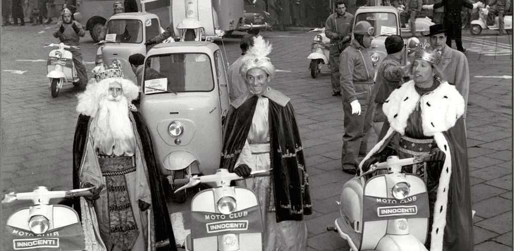 1958_ Epiphany day (the three kings) in Milan_3