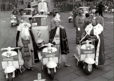 1958_ Epiphany day (the three kings) in Milan_4