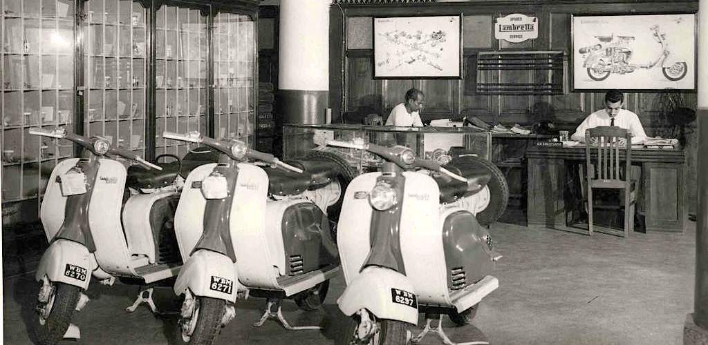 1958_Lambretta delegation in India, distributor  copia