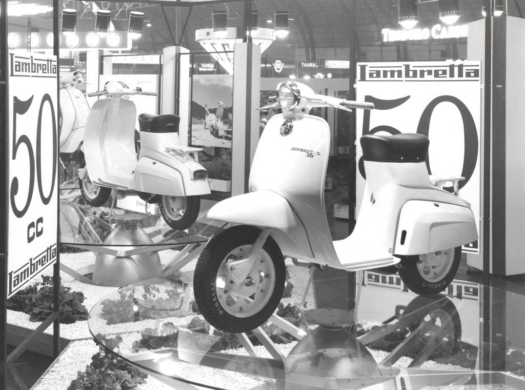 1961 Presentation of the new Lambretta 50 in the Milan exhibiton 01