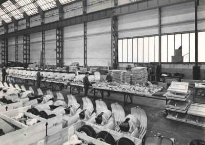 1961_packing department at Innocenti factory