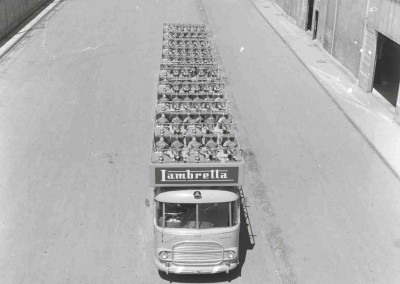 1964 Special transport truck for Lambrettas_2