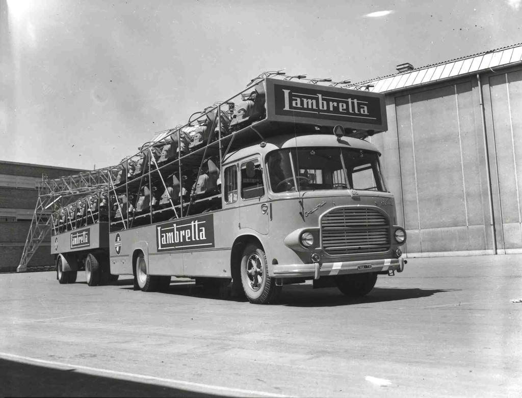 1964 Special transport truck for Lambrettas_3
