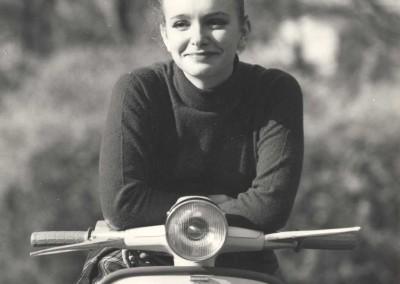 1964 Valeria Ciangottini in a Lambretta Cento