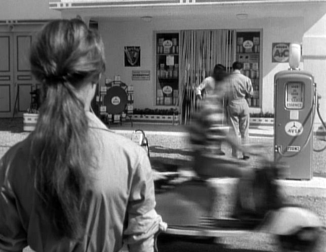 1952 Lambretta 125 LD in La lumière d'en face, Movie, 1955