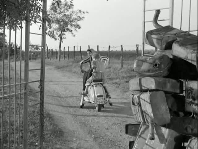 Lambretta Li 125 in Audace colpo dei soliti ignoti, Movie, 1960