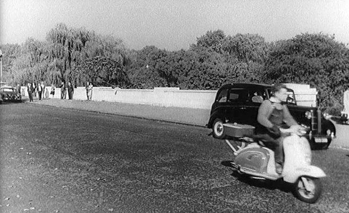 Lambretta Li 125 in Le voyage à Biarritz, Movie, 1963
