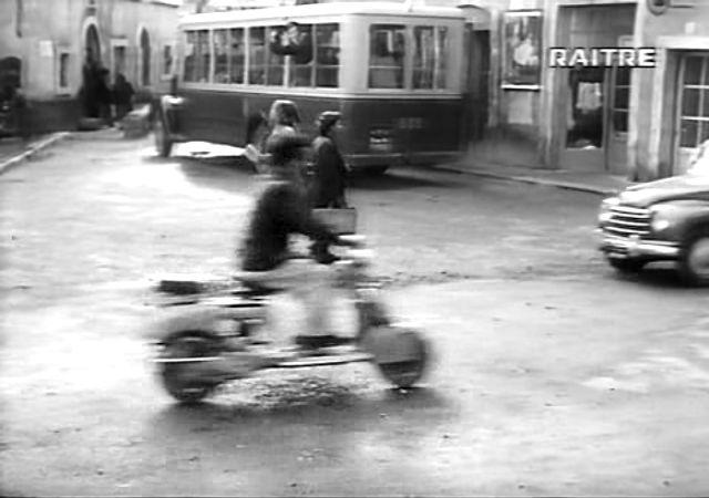 Lambretta B in Roma ore 11, Movie, 1952