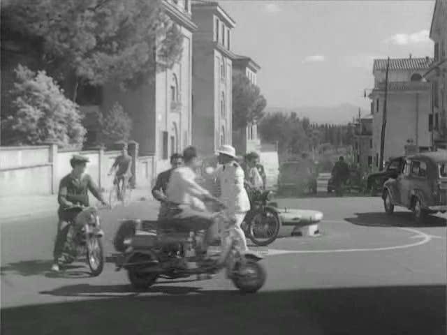 Lambretta F in Piccola posta, Movie, 1955