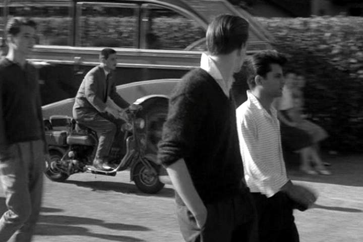1950 Lambretta 125 C in Certains l'aiment froide, Movie, 1960