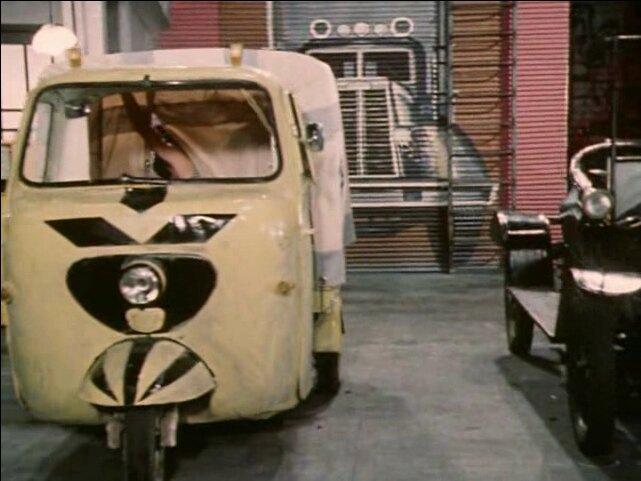 Lambretta Lambro in Peppi Dlinnyychulok, Movie made for TV, 1982 three wheeler